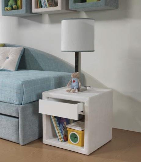 Dormitorio celeste blanco for Mesita noche infantil